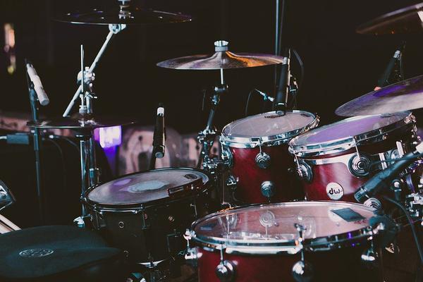 Nieoczywiste korzyści grania na perkusji